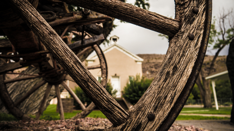 Wagon Wheel - BlueDesertPhoto