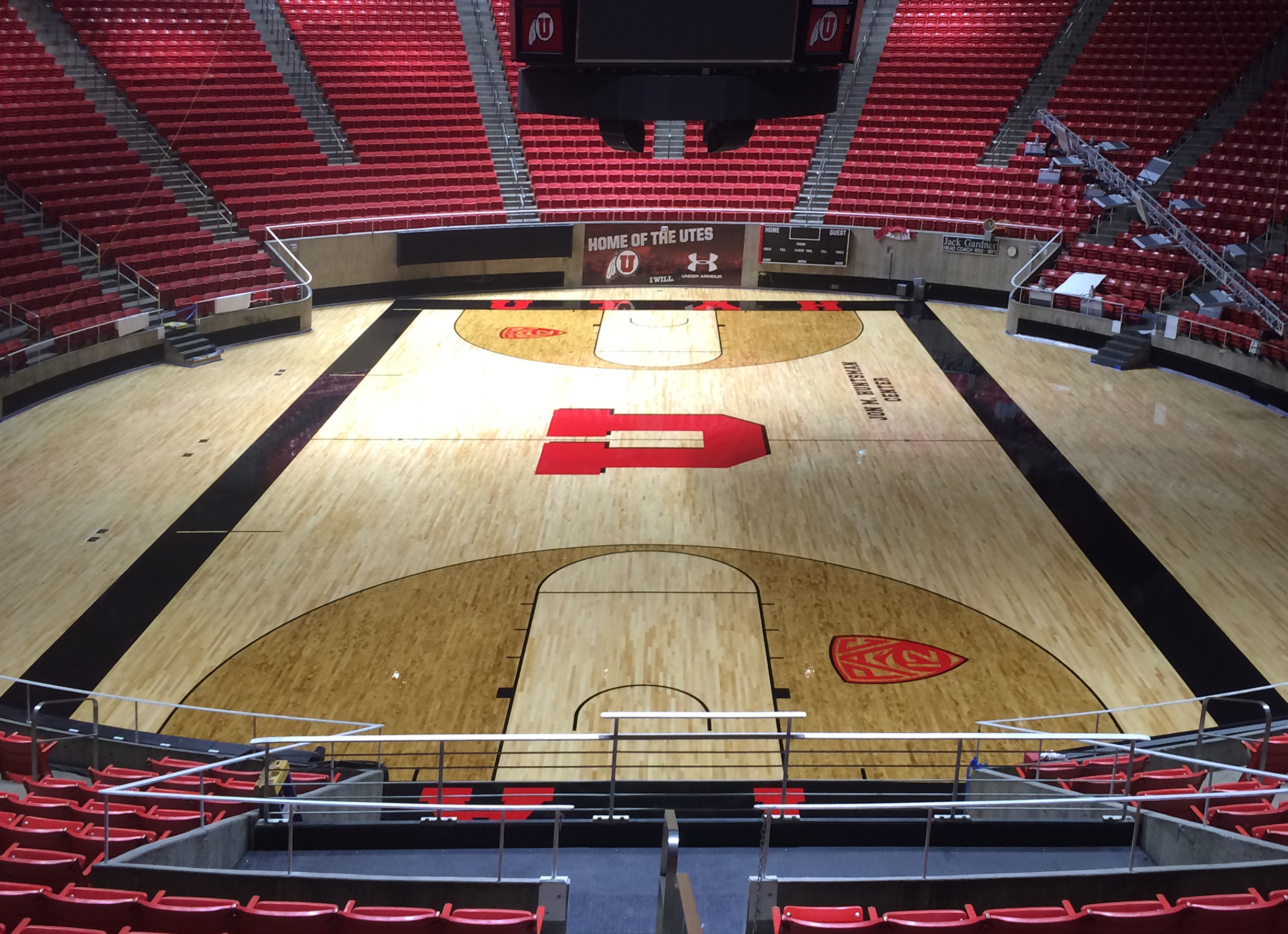 University of utah jon m huntsman center renovates with for Sport court utah