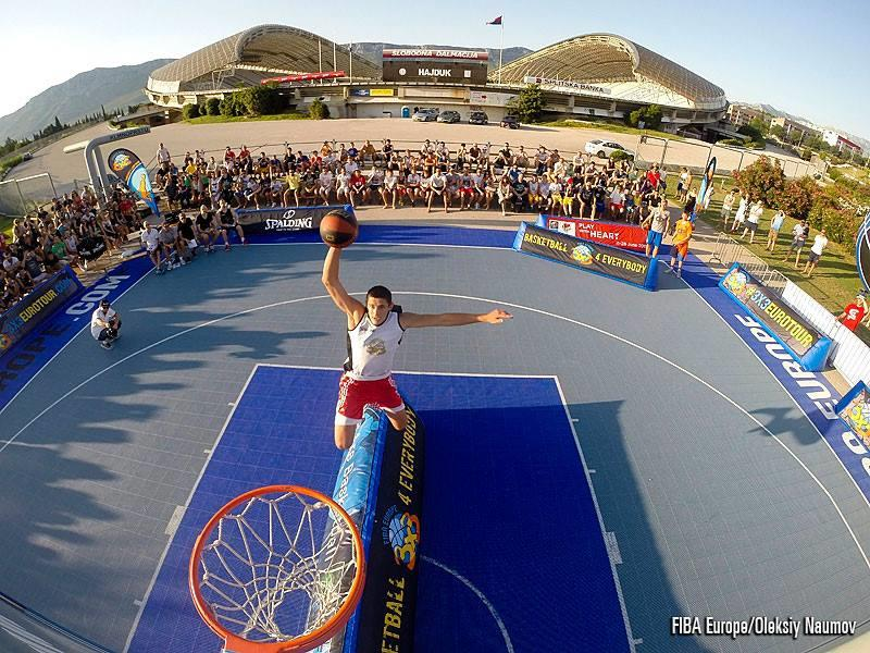3x3 Dunks Push Athletes and  Basketball Courts to New Extremes