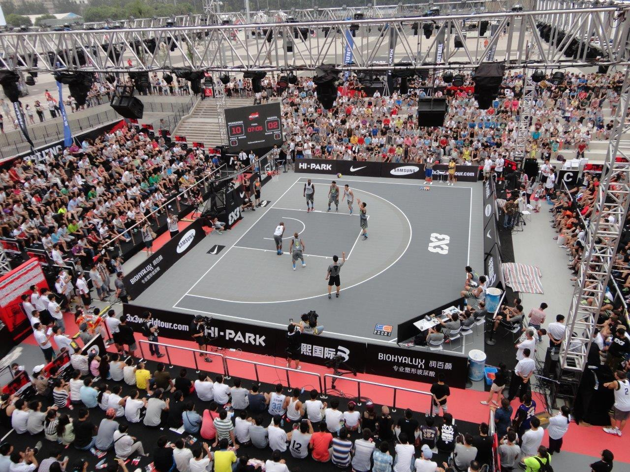 Outdoor Crowd in China to watch 3x3 Basketball on the Sport Court Basketball Court