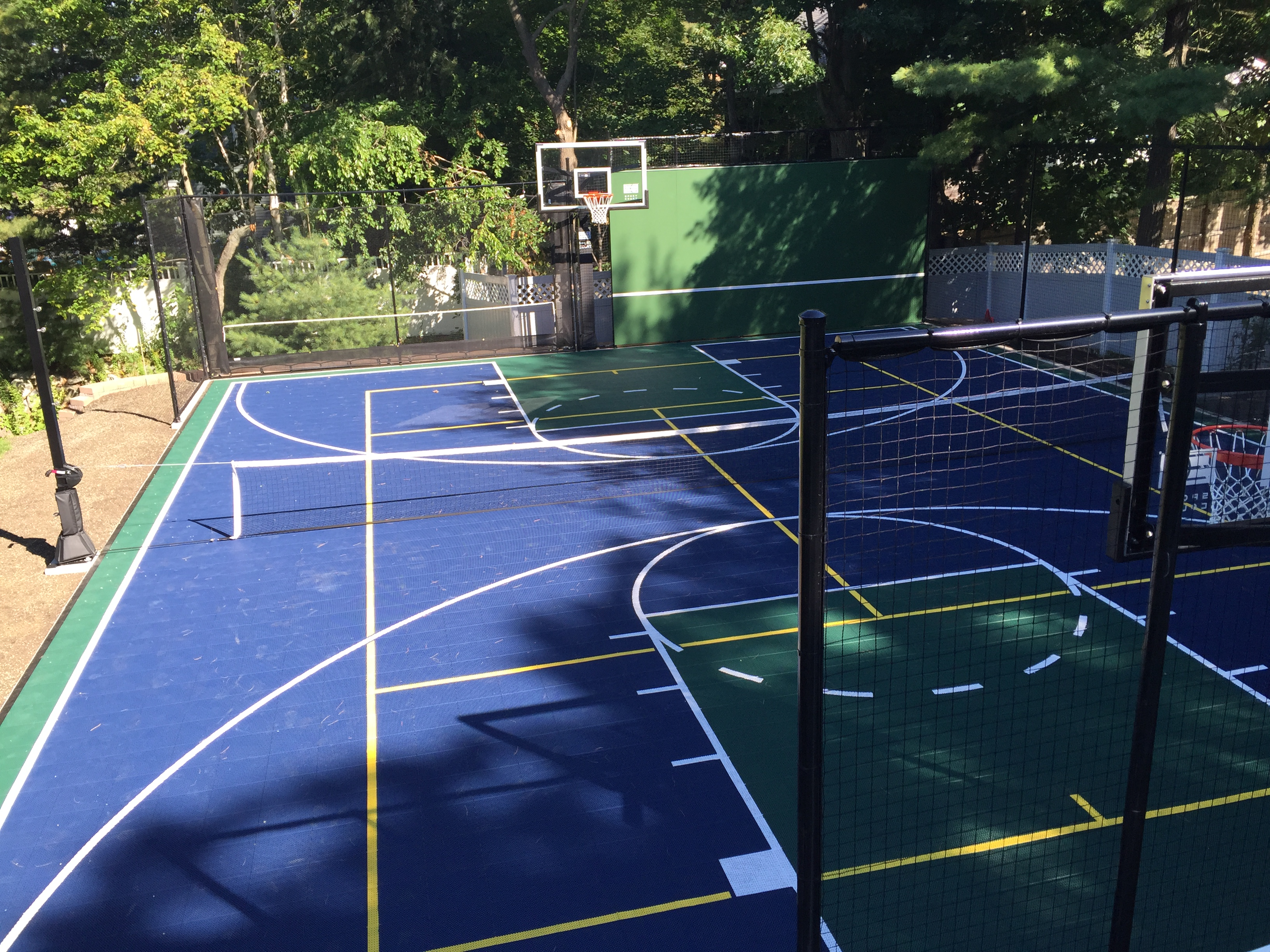 gym floors and outdoor courts installations for commercial