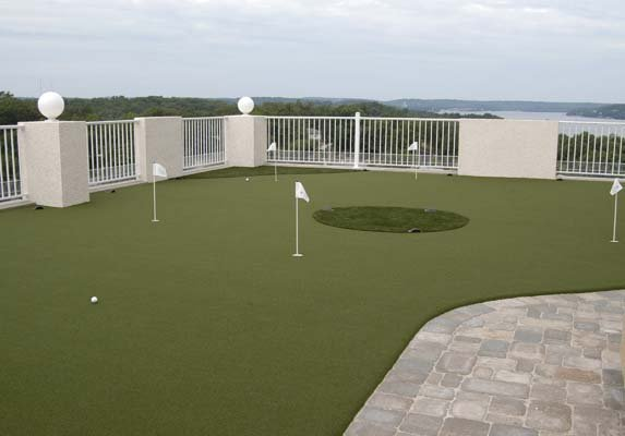 Backyard-court Putting-green Outdoor Family Sport