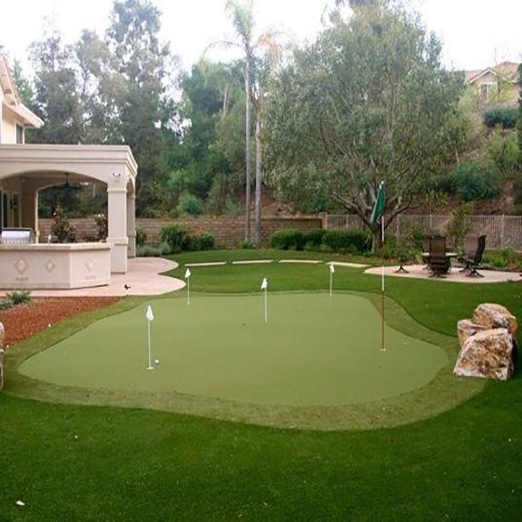 Putting Green with Synthetic Grass