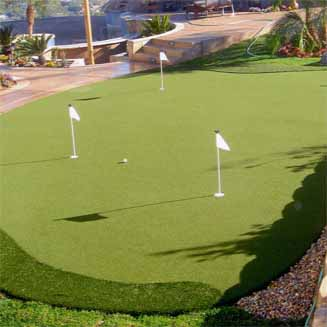 Synthetic Putting Green at Home