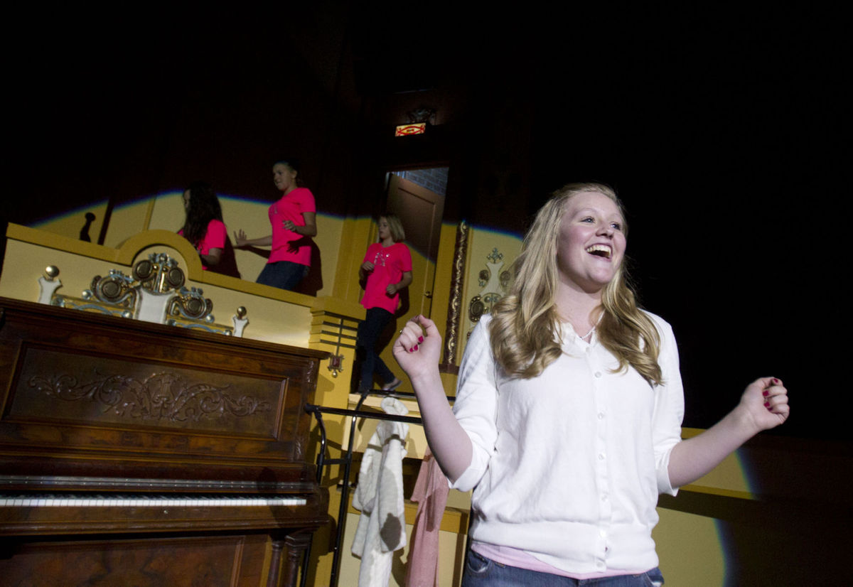 Wilson Jr. Musical Theatre performs 'Legally Blonde the Musical'