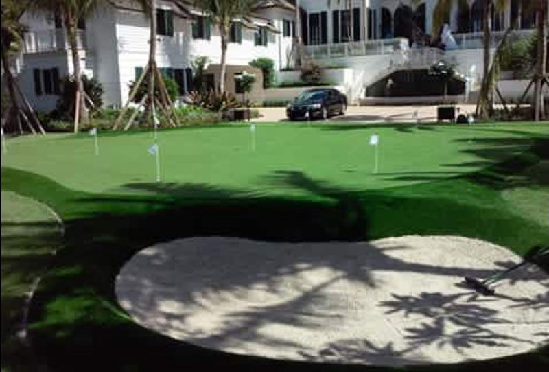 Outdoor Putting Green Builders With Sand Trap