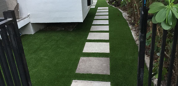 Florida Backyard Putting Green